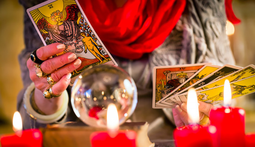 Tarot Reading: 10 Tips & Rules